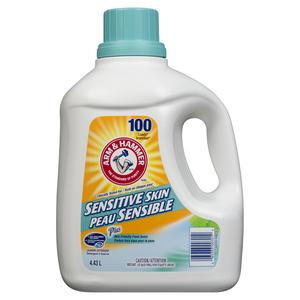 Arm & Hammer Sensitive Skin Liquid Laundry Detergent Fresh Scent 100 Loads 4.43 L
