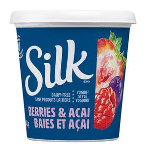 Silk Berries & Acai Almondmilk Yogurt Alternative  640 g